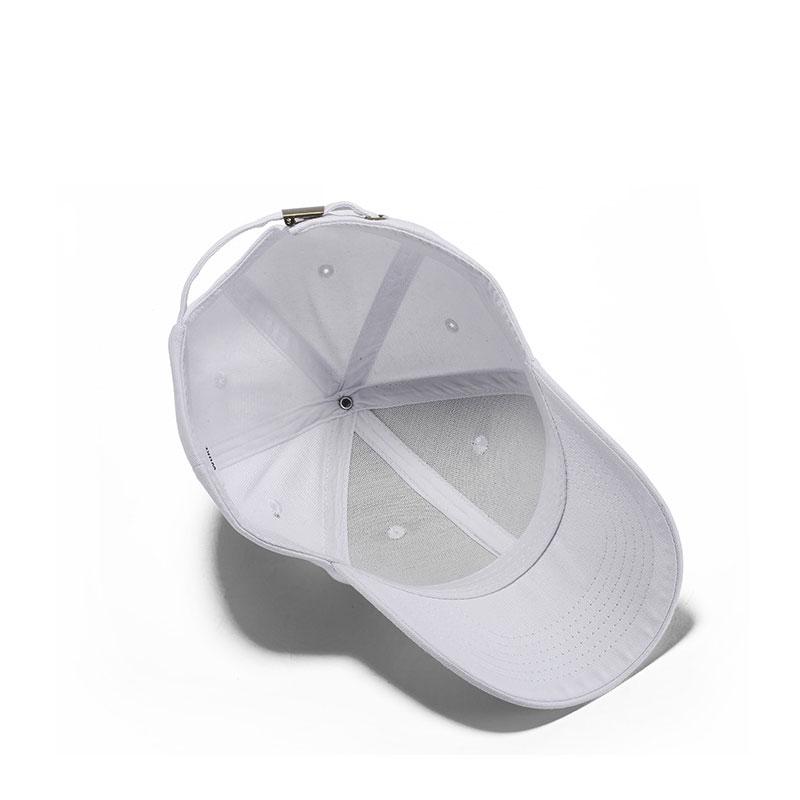 mũ lưỡi trai classic cap màu đen lưỡi cong