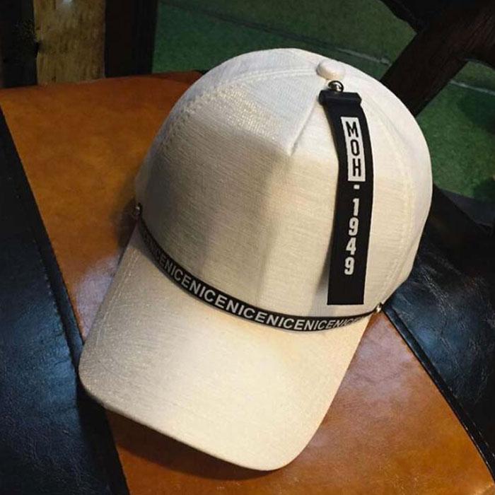 mũ lưỡi trai twinkle màu trắng