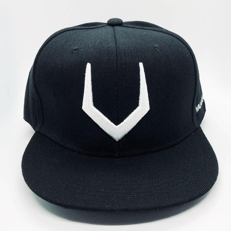 mũ valourian snapback đen logo trắng