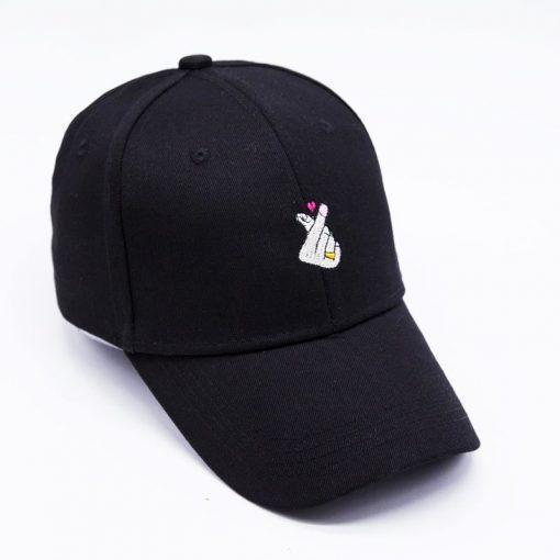 mũ lưỡi trai nữ Heart React Pink màu đen