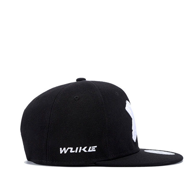 mũ snapback Wild Flat logo trắng
