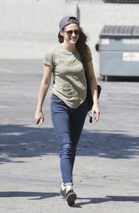 áo thun quần jean cùng snapbck