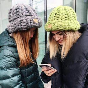 cách chọn mũ len đan bản to