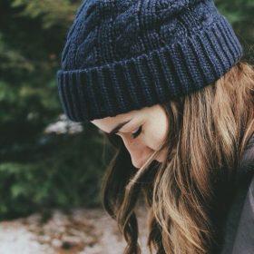cách chọn mũ len nữ đơn giản