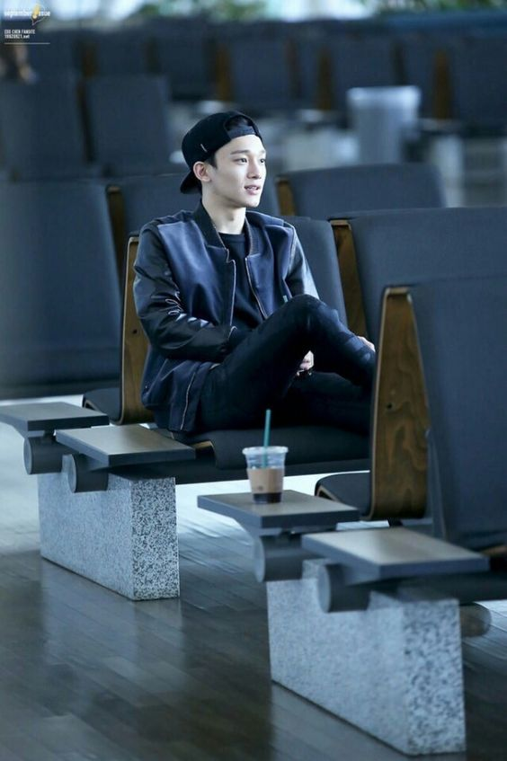 Chen mũ lữoi trai