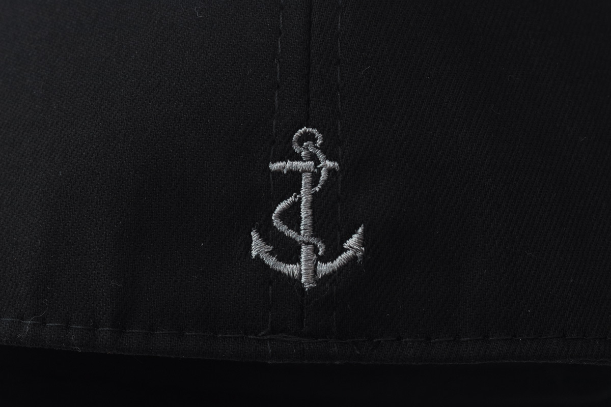chi tiết mũ lưỡi trai anchor and helm bít đuôi