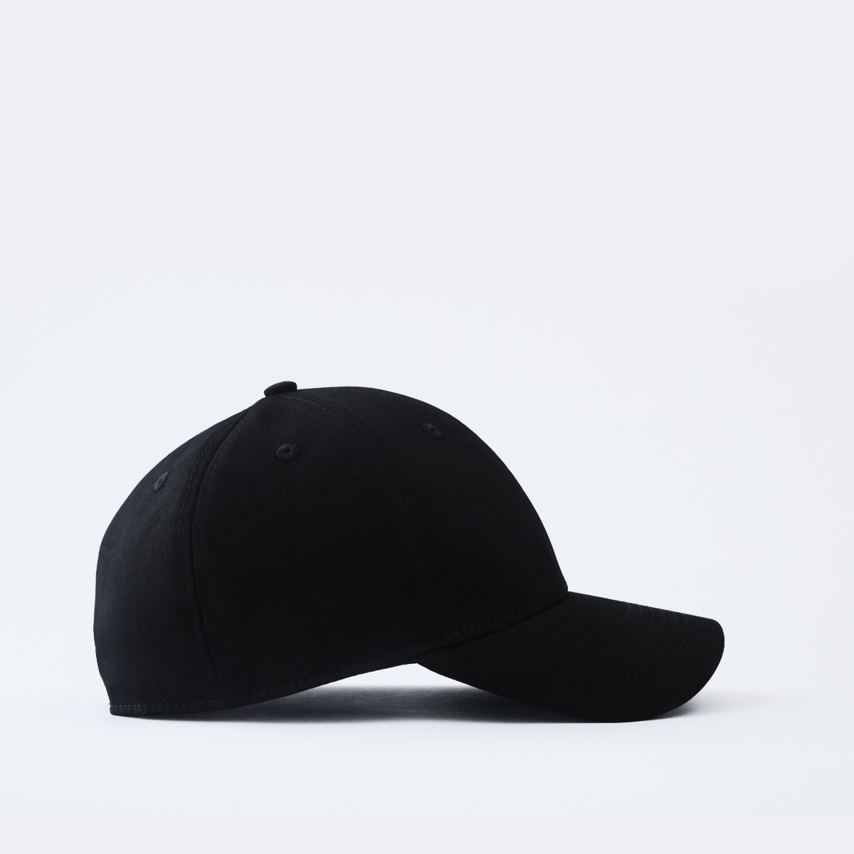 mũ lưỡi trai đen bít đuôi anchor anh helm mặt phải