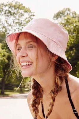 cách chọn mũ bucket nữ cá tính