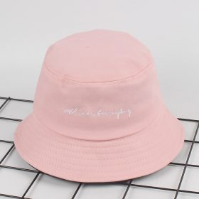 mũ bucket hồng có chữ
