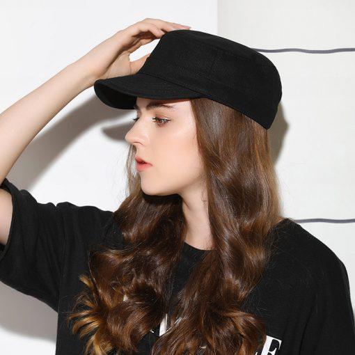 mũ nón lưỡi trai nữ chóp phẳng flat top màu đen mặt sau