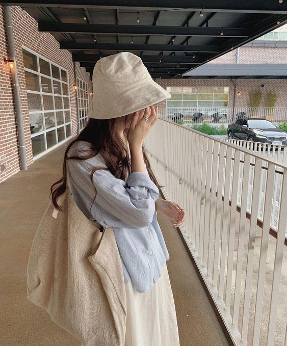 phong cách đơn giản cùng mũ xô nữ